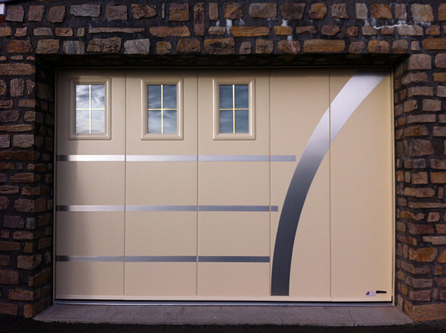 Laterale classique portillon hublot insert simbalite for Porte de garage aludoor